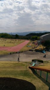 群馬県立自然史博物館横の陸上競技場