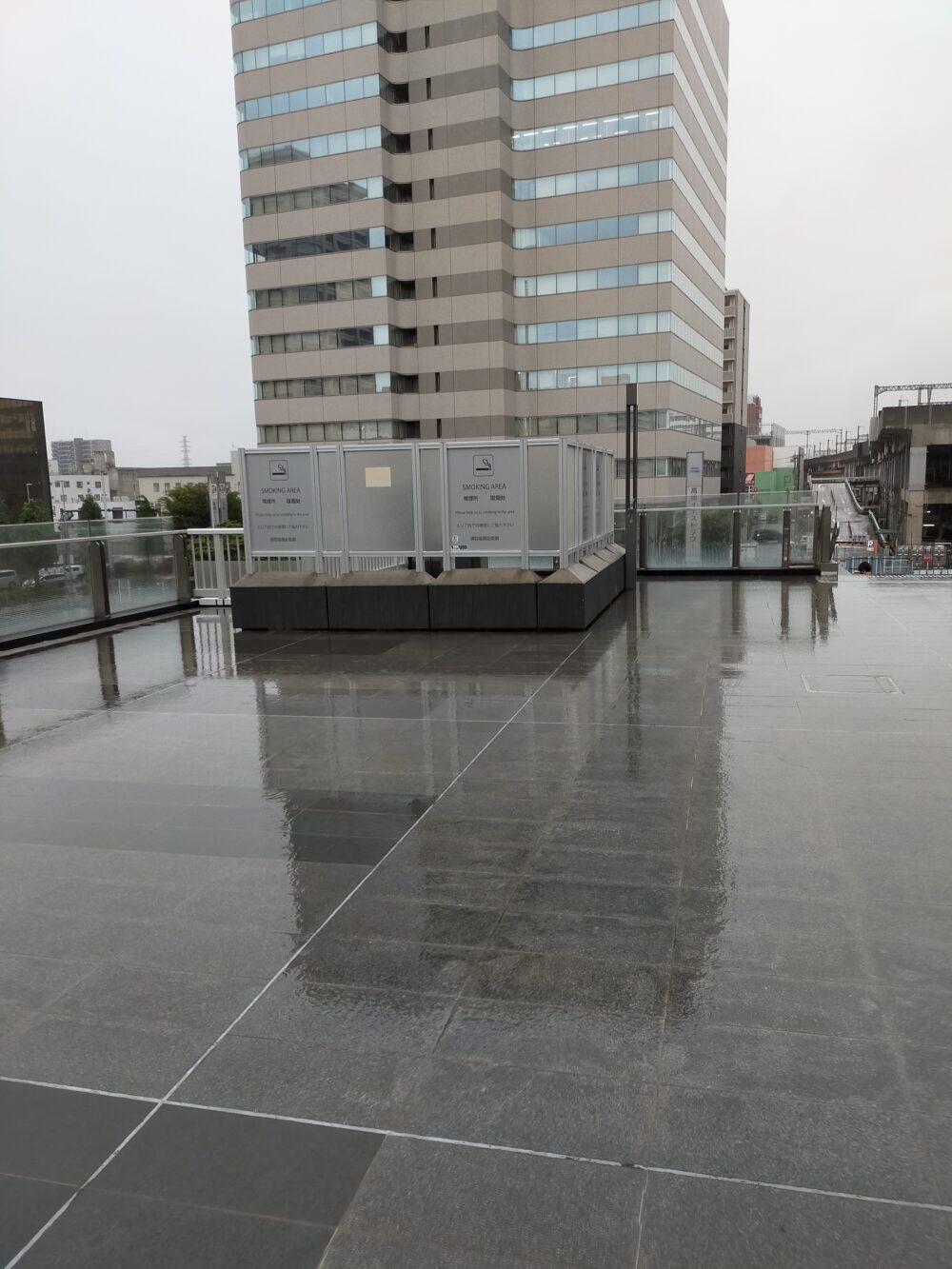 高崎駅改札外の喫煙所3