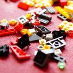 子供が毎日レゴで部屋を散らかして片づけが大変!1990円で買った収納マットが大当たり!