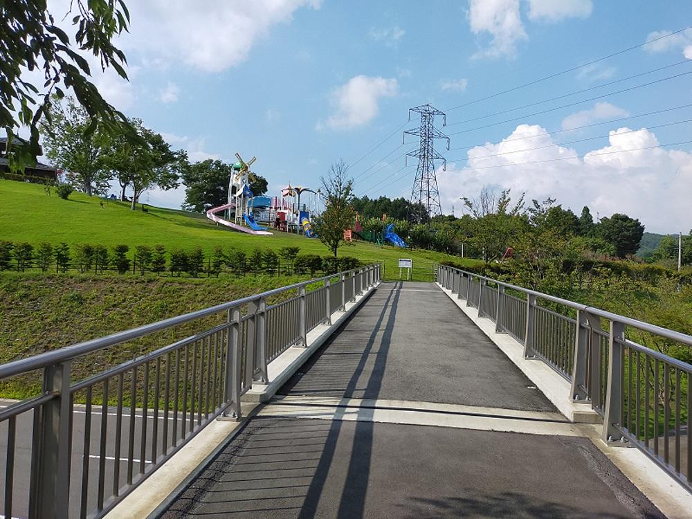 道の駅中山盆地で子供の遊び場ぷれあいパーク2